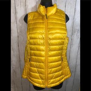 NWOT Tommy Hilfiger Packable Down Puffer Vest M